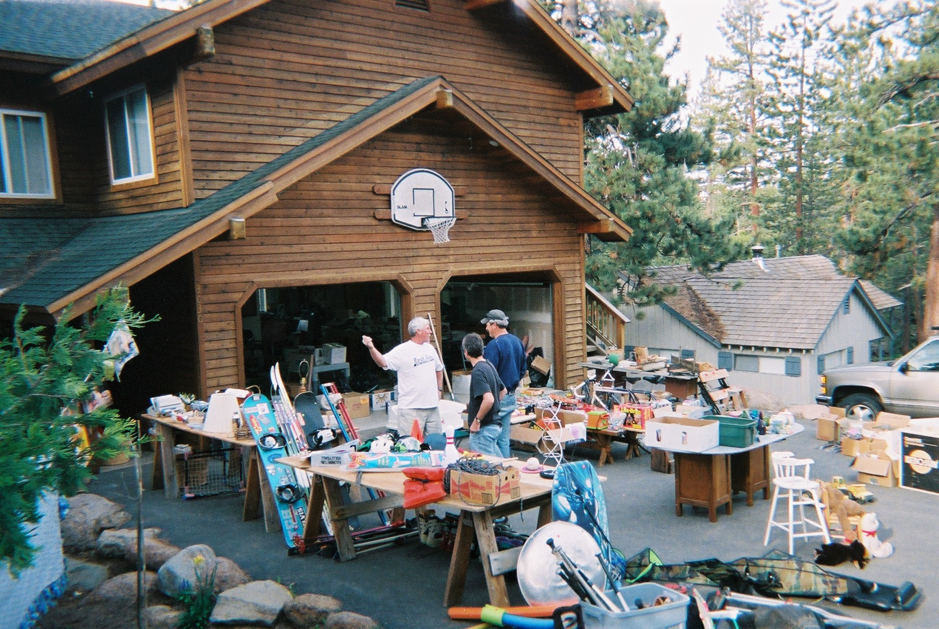city of stayton offers garage sale advertising online free of