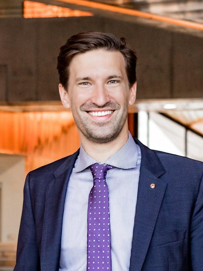 Headshot of Austin City Manager Spencer Cronk
